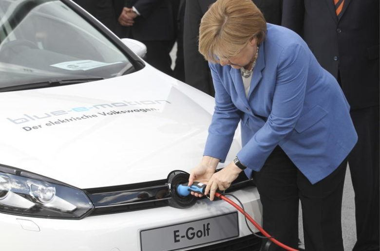 20160203-20160203115456angela-merkel-chancellor-German_zoldautok