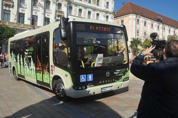 Elektromos buszokat vásárolna Pécs