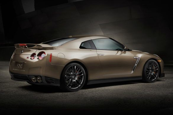 2016-nissan-gtr-premium-sports-car-rear-view-gold-large_zoldautok