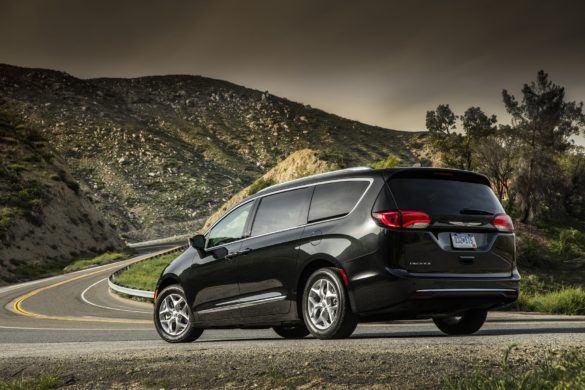 A Google fogja vezetni a Chrysler egyterűt