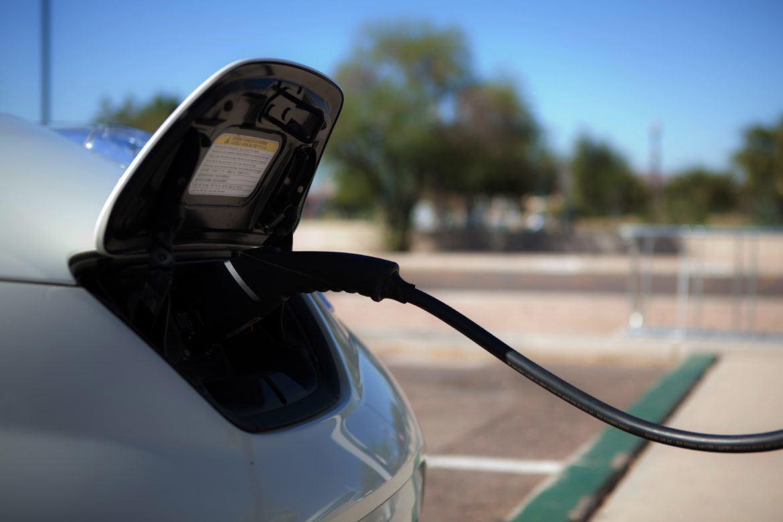 Az elektromos autók növelhetik a károsanyag-kibocsátást az USA-ban?