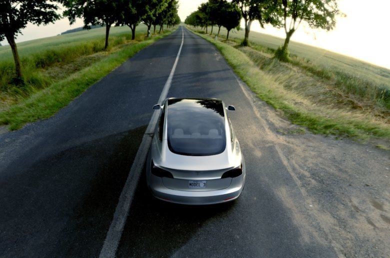 Tesla: június végére kész a Model 3