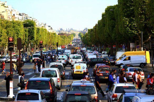 Vasárnaptól tiltják az autókat Párizsban