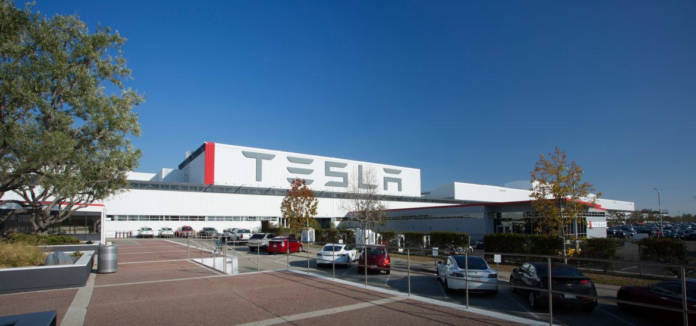 Akár egymillió autót is gyárthat a Tesla évente Fremontban