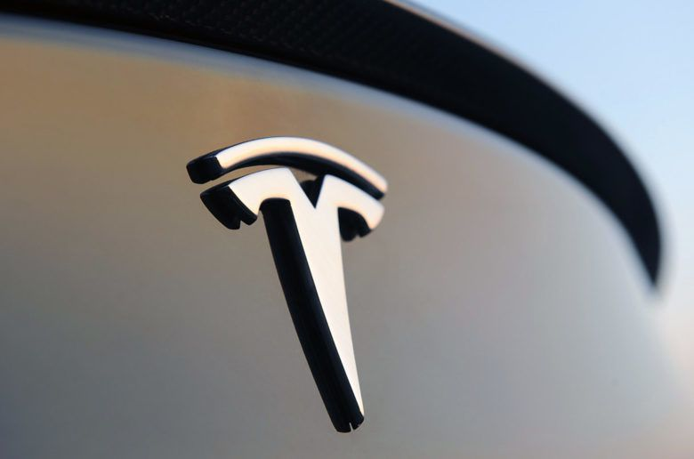 A Tesla új üzenete a Model 3 foglalóinak