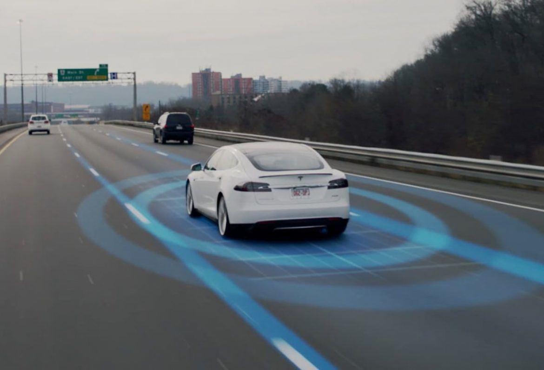 Volvo K+F vezető: A Tesla meg akar ölni