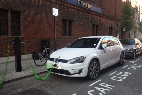 volkswagen_golf_gte_zipcar_london_zoldautok