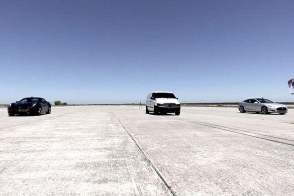 Videón Edna, a 900 lóerős elektromos kisteherautó