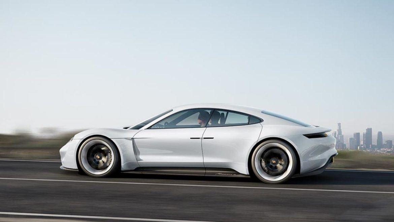 Újabb résztvevő a Volkswagen csoport villanyautó kavalkádjában