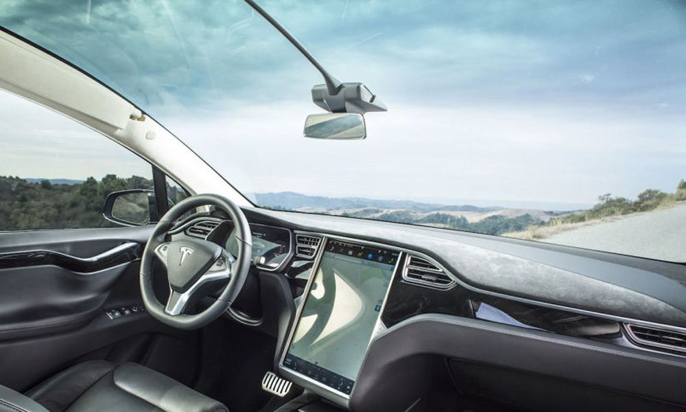 ModelX_panoramic_windshield_w4ty_zoldautok