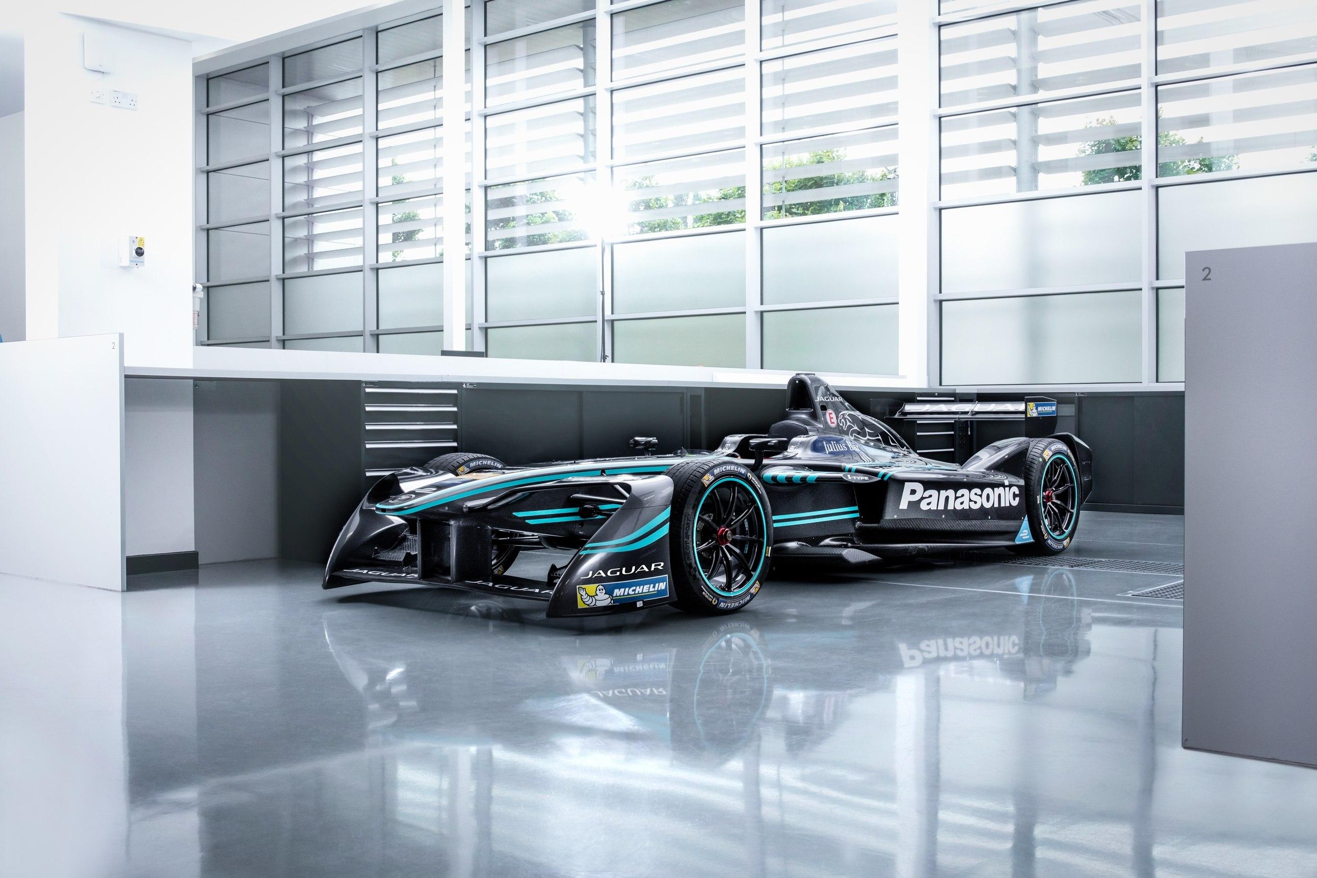 panasonic_jaguar_racing_formula_e_1_zoldautok