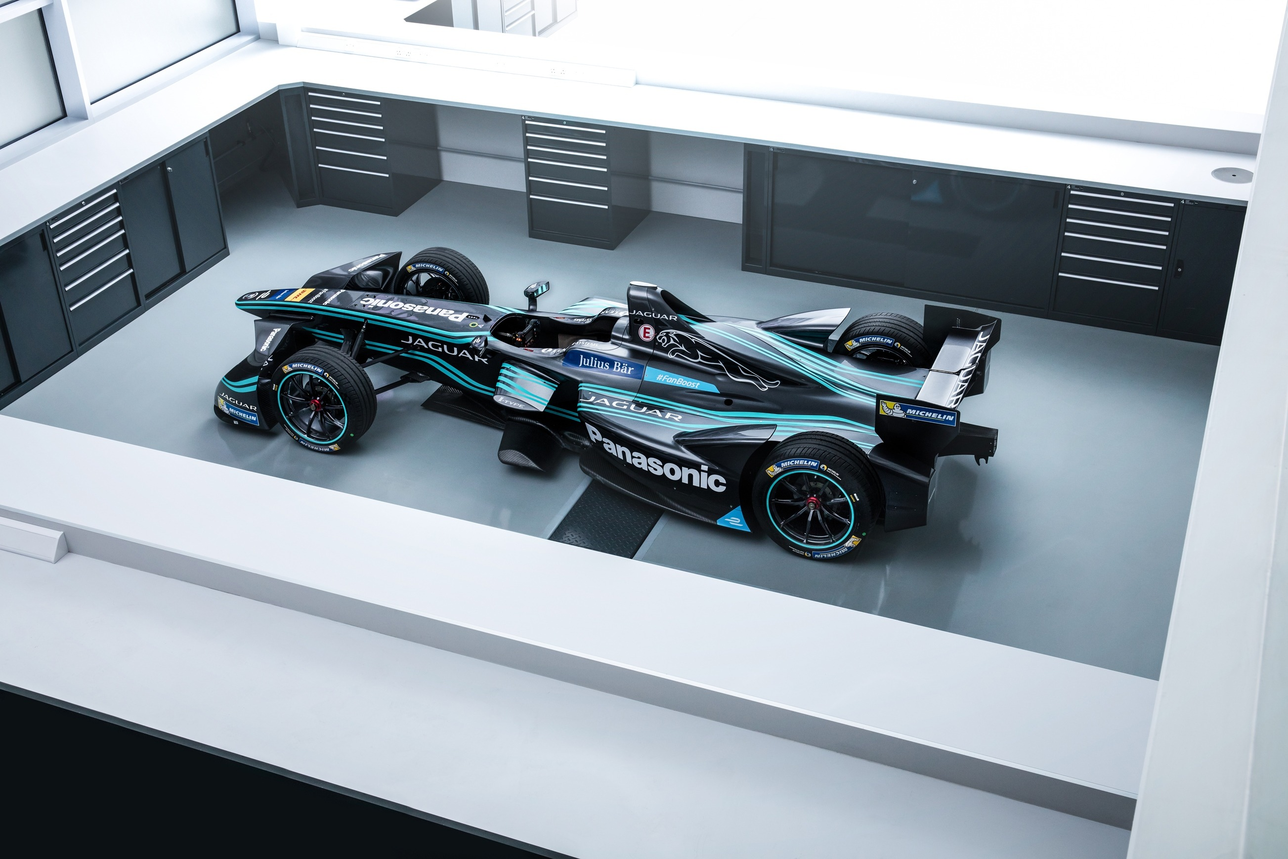 panasonic_jaguar_racing_formula_e_3_zoldautok