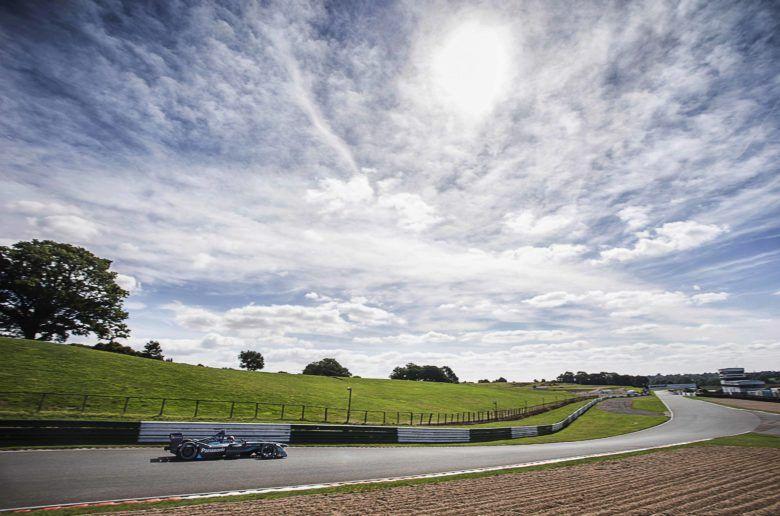 A Jaguar is előállt saját elektromos versenyautójával
