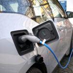 Mától igényelhető az állami támogatás az elektromos autókra