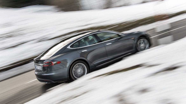 A Tesla a legmegbízhatóbb autógyártó a kanadaiak szerint