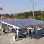 Ötezer benzinkútra szereltet napelemeket a Total