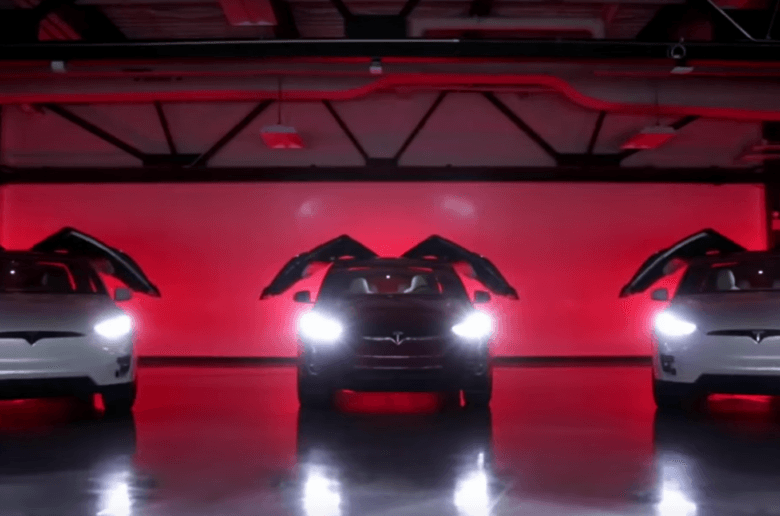 tesla-model-x-light-show_zoldautok