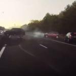 Így reagált a Tesla a pillanatokkal később bekövetkező balesetre – VIDEÓ