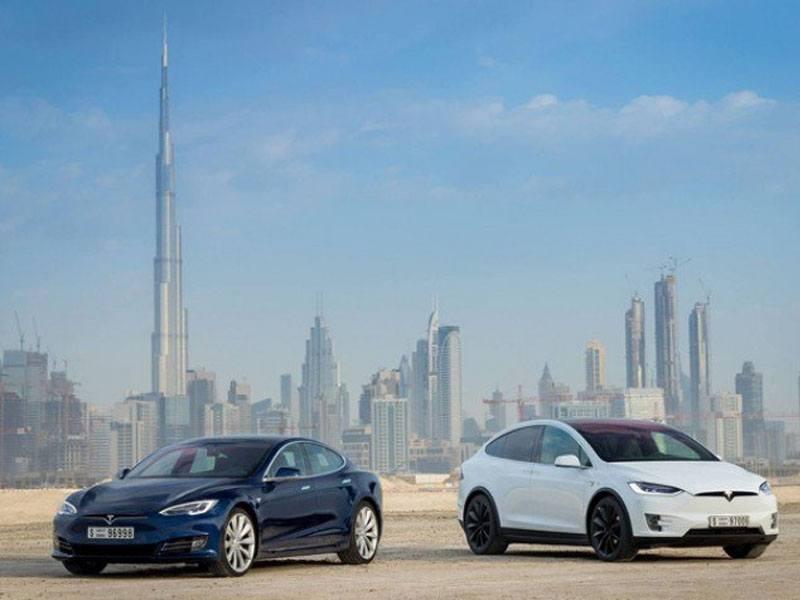 200 Tesla taxi furikázik majd Dubaj utcáin