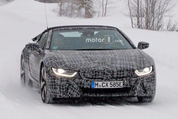 Kémfotók a BMW i8 Spyderről