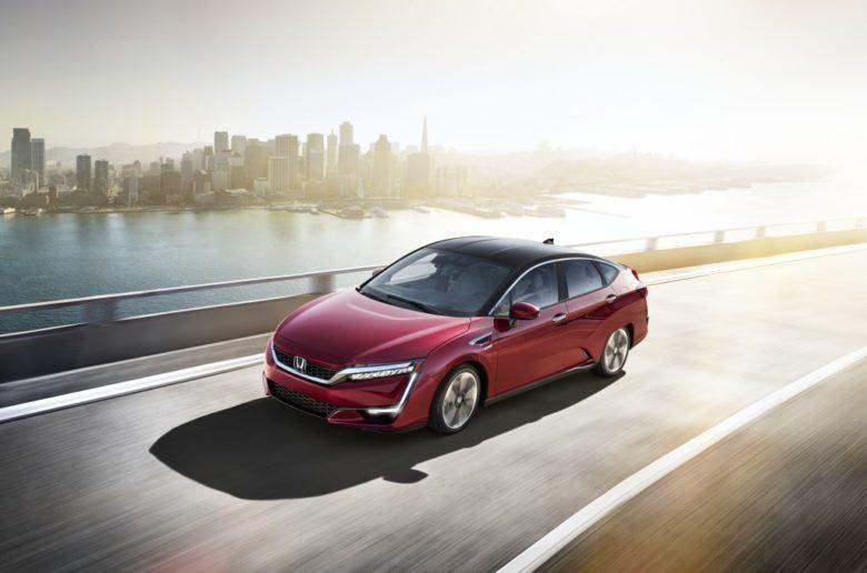 Hamarosan érkezik az elektromos és plug-in hibrid Honda Clarity