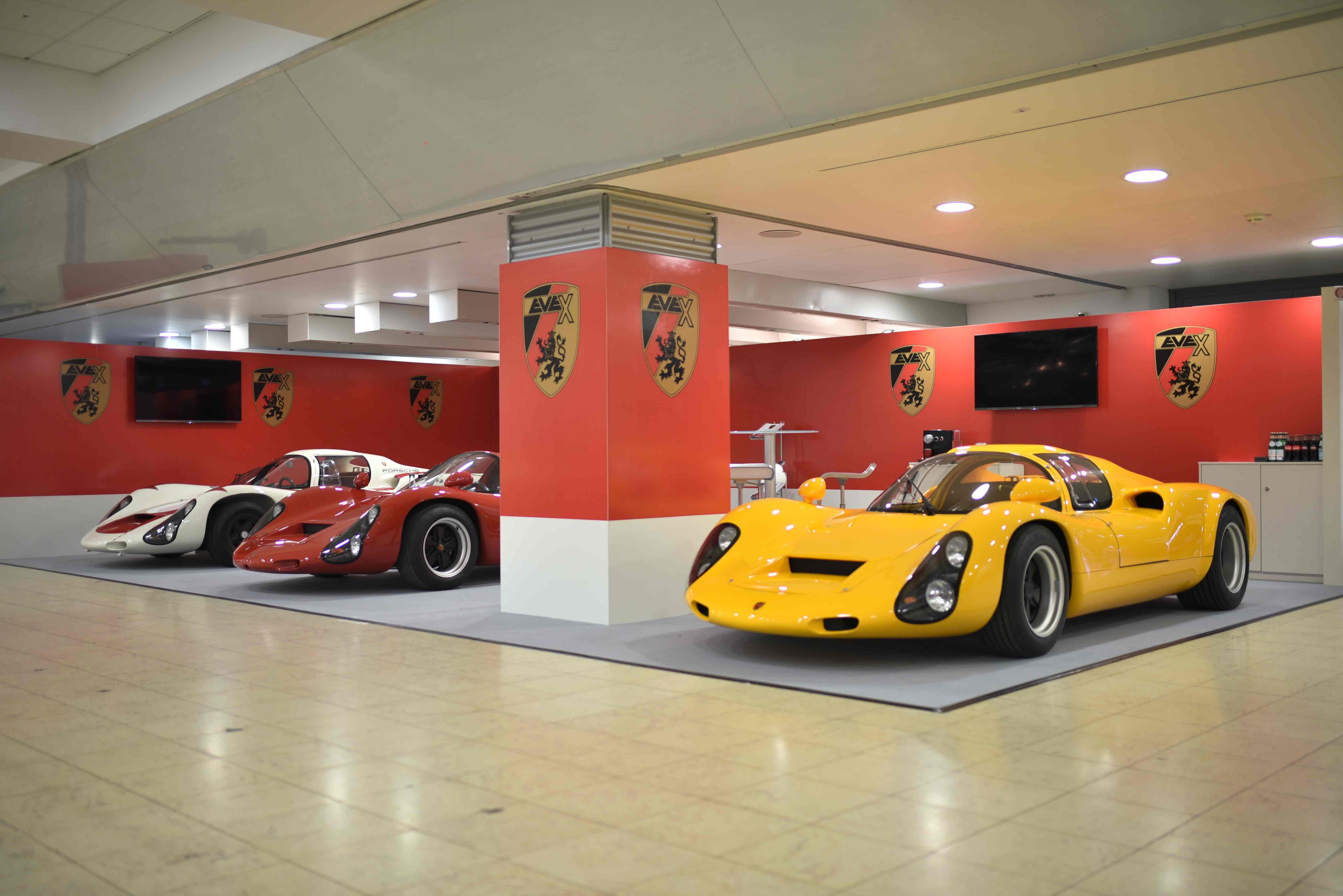 Porsche-910-und-EVEX-Porsche-910-und-Kreisel-EVEX-910e_zoldautok