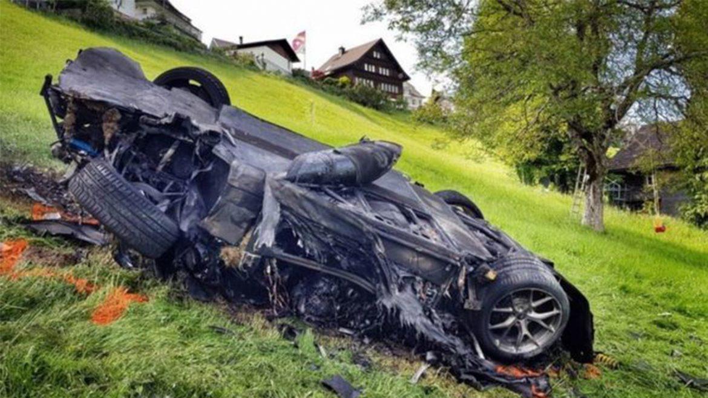 Az ex-Top Gear műsorvezető rommá törte a méregdrága villanyautót - Videó