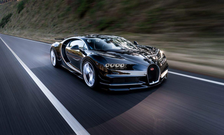 Hibrid szuperautóval szárnyalná túl saját magát a Bugatti