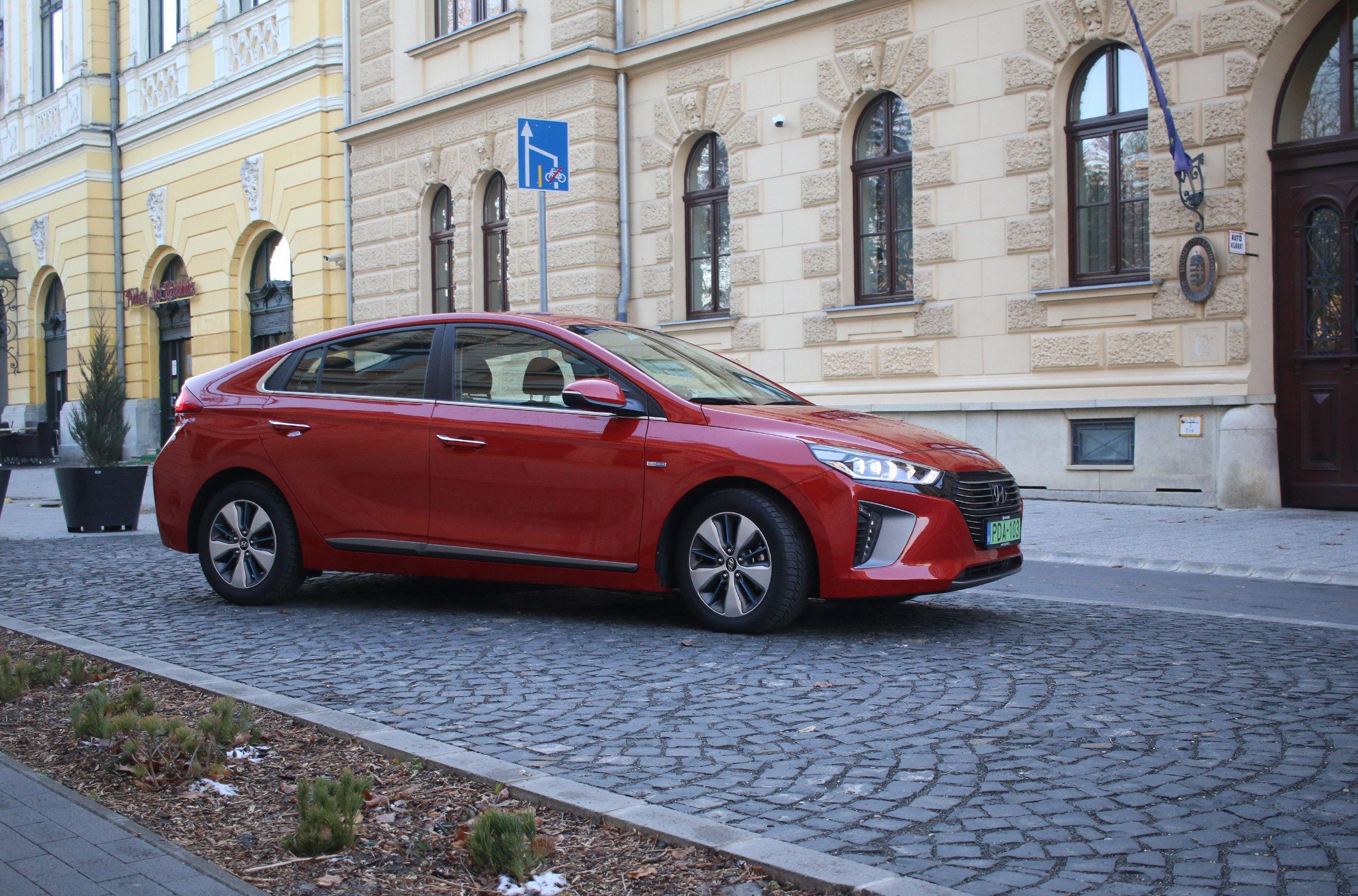 Hyundai_IONIQ_PHEV_test_3_zoldautok