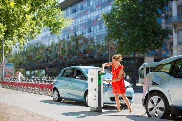 Hogyan töltsük megfelelően elektromos autónkat?