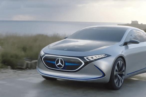 Elképesztően dögös a Mercedes villany-kompaktja - Videó