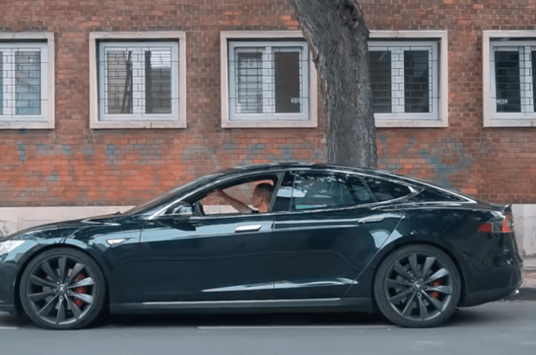 Elektromos autóval a tengerre és a legszebb Tesla töltő Európában