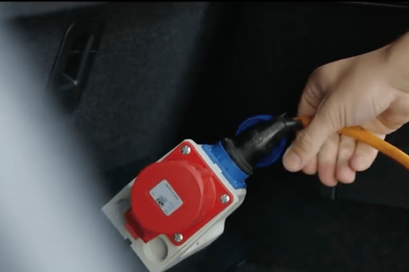 Izgalmas új funkciót mutatott meg a BMW - Videó