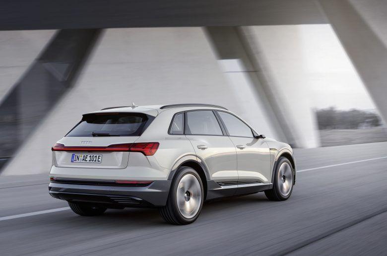 Megérkezett az Audi e-tron