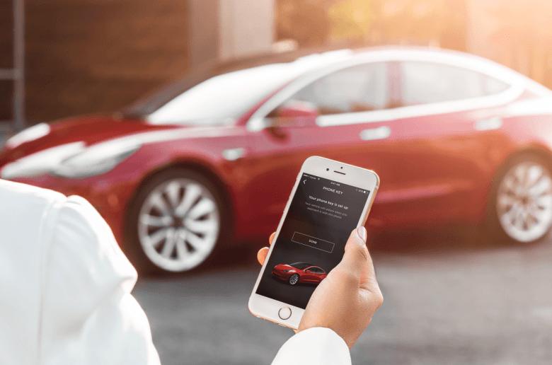 A Tesla hallgatott a vásárlókra - új kulcsot készítenek a Model 3-hoz