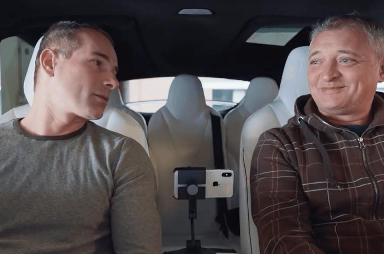 FINGÓPÁRNÁT kaptak a Tesla tulajok… [videó]