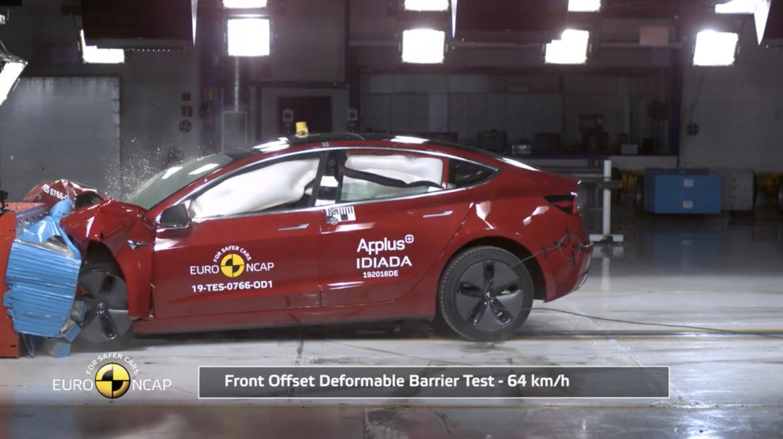 Kiváló értékelést kapott a Model 3 töréstesztje Európában - videó
