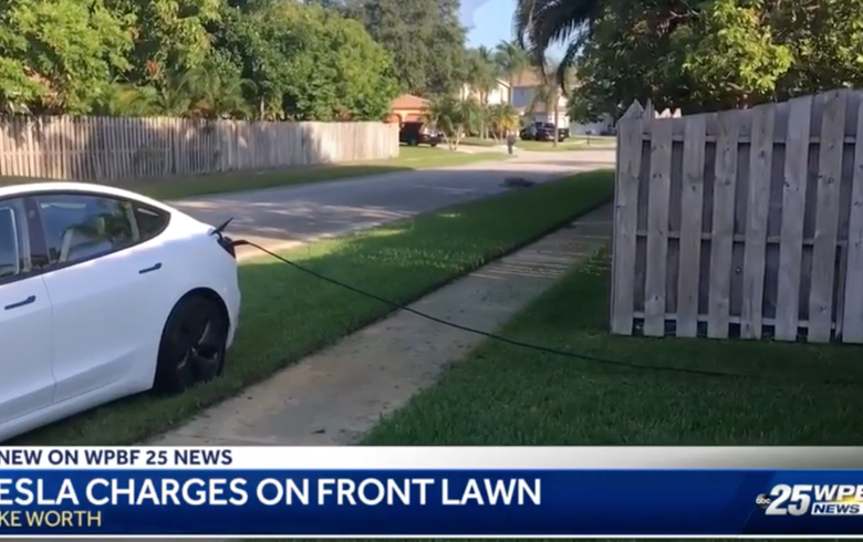 Lemerült a kocsija – áramot lopott a Model 3 tulajdonosa