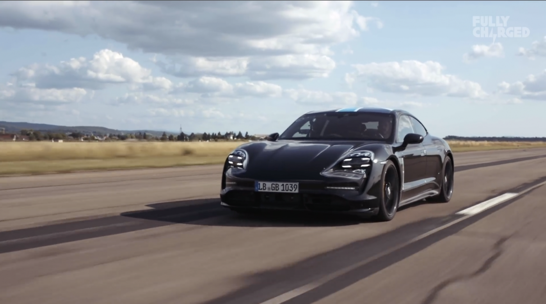 Letesztelték, hogy mit bír valójában a Porsche Taycan hajtása - Videó