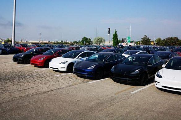 Probléma volt a Model 3-asokkal – ötmillió eurós rendelést töröltek a Teslánál