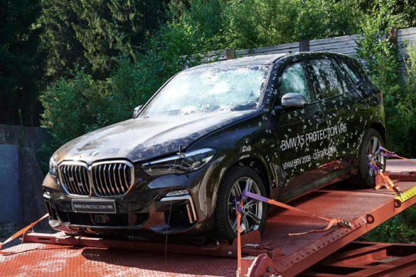 A BMW is kigúnyolta a Tesla Cybertruck bemutatóját