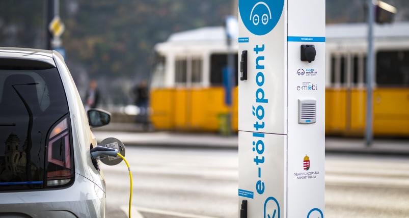 Tovább csökken az itthoni ingyenes e-autó töltők száma