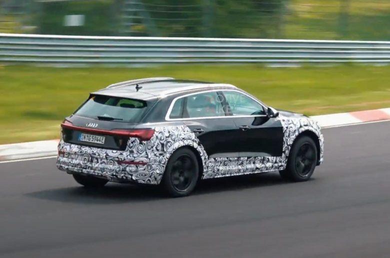 Így égeti a gumit az Audi e-tron S a Nürburgringen (videó)
