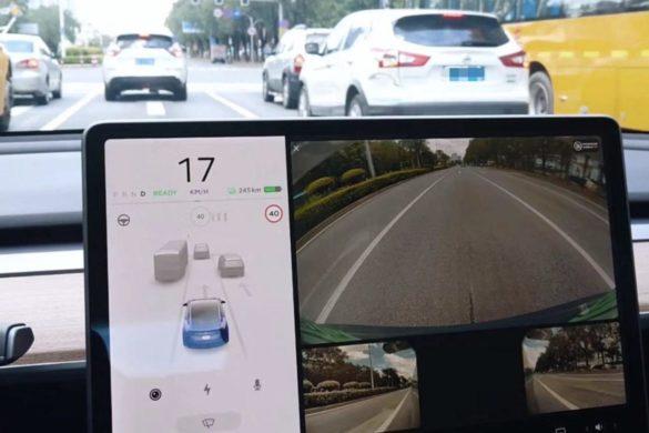 A Tesla oldalkamerákat alkalmaz a holttér megfigyeléséhez