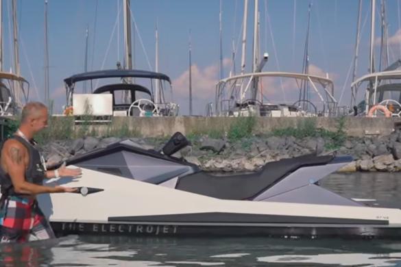 Jetski a Balatonon - Cyberjet by Narke [videó]