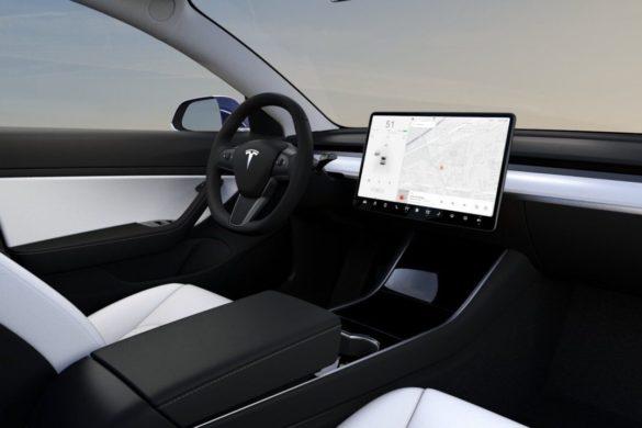 Két kisebb újdonságot tartalmaz a Tesla szoftverfrissítése