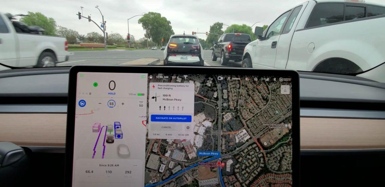 30 perces videó készült a Tesla önvezető rendszeréről