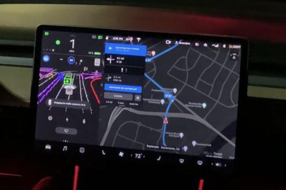 Komoly frissítés érkezik a Tesla önvezető szoftveréhez
