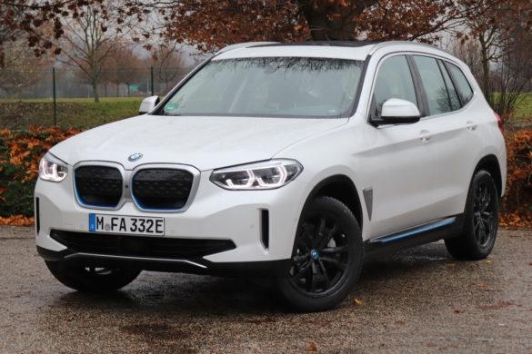 BMW iX3 teszt: X-Faktor