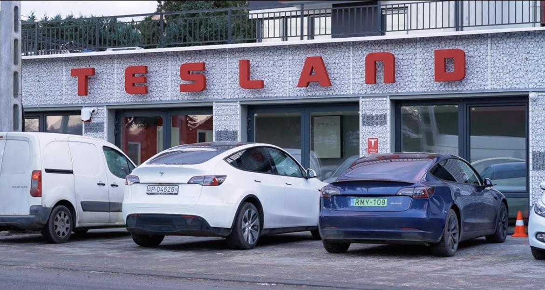 Tesla Model 3 Facelift bemutató - by Handras
